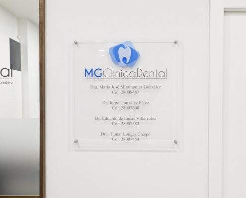 cartel clinica dental