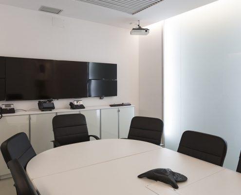 Sala de reuniones reformada
