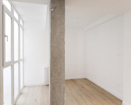 reforma de salas con pilares