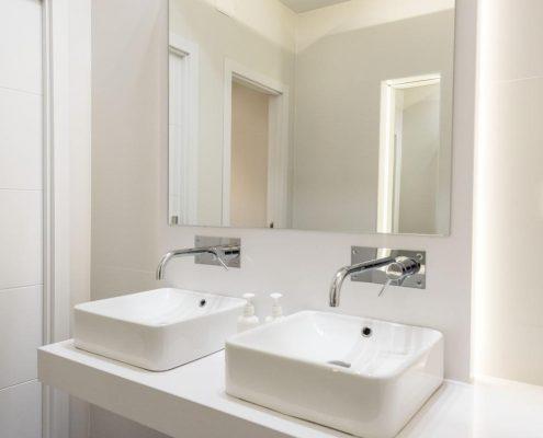 Reforma de lavabo de oficina Arup