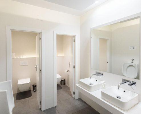 reforma baño de oficina