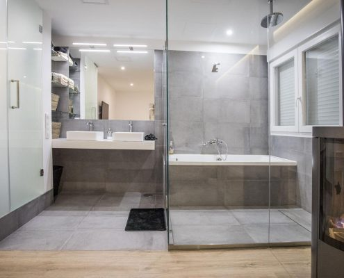 Baño conectado con habitación